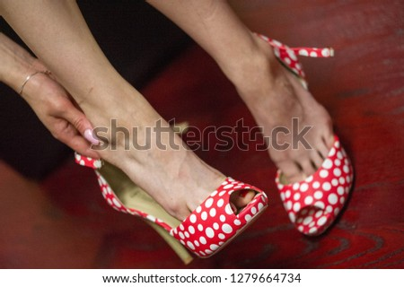 Women's shoes, a pair of shoes, high-heeled shoes, a pair of shoes,
