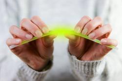 women snaps a lightstick