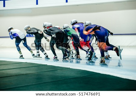 women speed skaters mass start competitions in speed skating #517476691