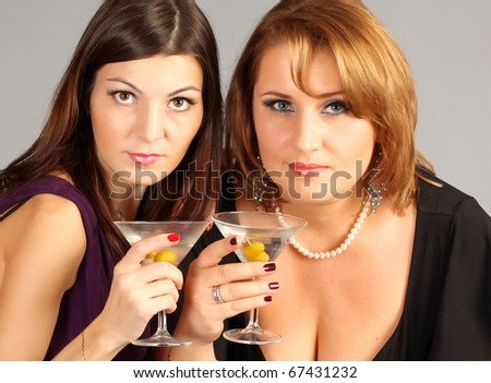 Women with cocktails