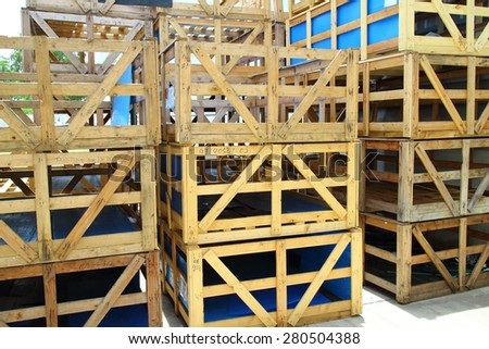 Wood pallet and wood box container