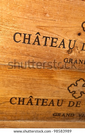 Woodcut on a box of bottles of Bordeaux wine