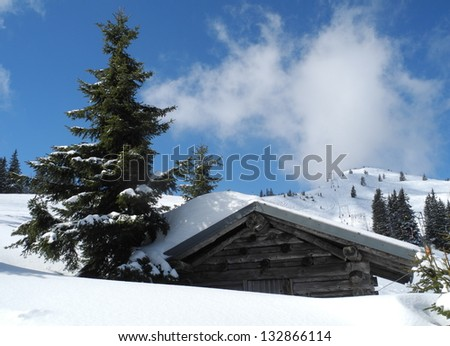 Wooden hut in the mountains Zdjęcia stock ©