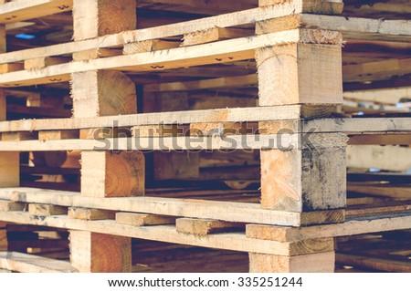 wooden pallet overlap in warehouse
