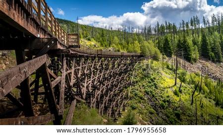 Wooden Trestle Bridges of the abandoned Kettle Valley Railway in Myra Canyon near Kelowna, British Columbia, Canada Stockfoto ©
