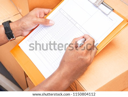 Worker are writing on the clipboard, Checking items list. #1150804112