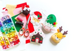 Workshop Santa Claus made of felt sewn. Material for creativity. Step-by-step master class. Toy for decorating the Christmas tree.