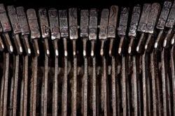 worn types of antique typewriter