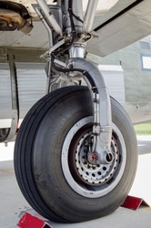 WWII heavy bomber landing gear and wheel detail