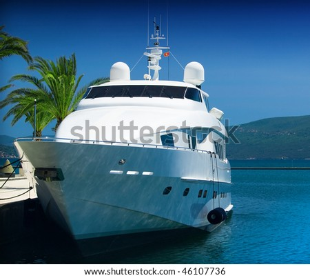 Yacht and and palm