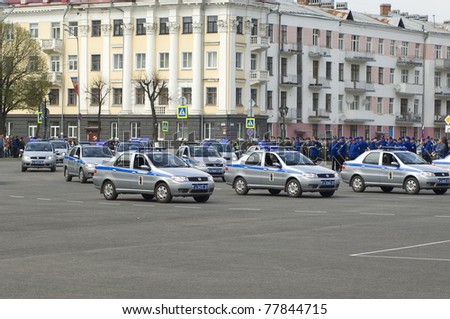 YAROSLAVL, RUSSIA - MAY 7 : Police cars during rehearsal of 66th anniversary of Victory in Great Patriotic War Military Parade at Soviet Square on May 7, 2011 in Yaroslavl, Russia
