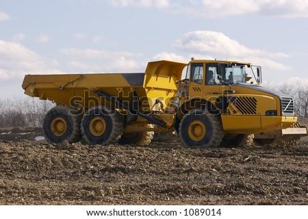 Yellow Heavy Duty Dump Truck