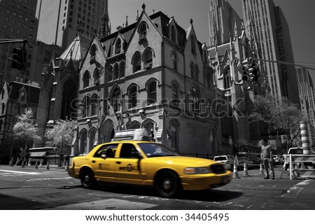 Yellow taxi in Manhattan, New York