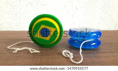 yo-yo toy with brazilian flag