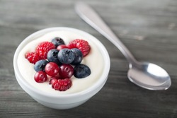 Yoghurt, yogurt, fruit.