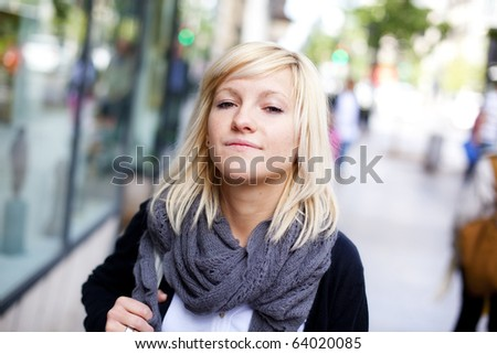Young beautiful urban girl wearing autumn clothes.