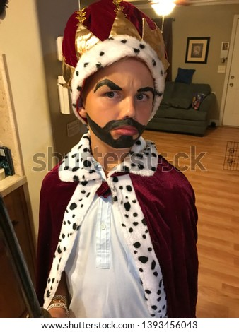 young boy, Halloween costume, the king