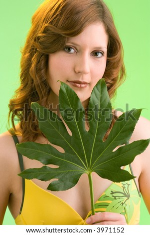 sexy teen babe masterbateing young leaf