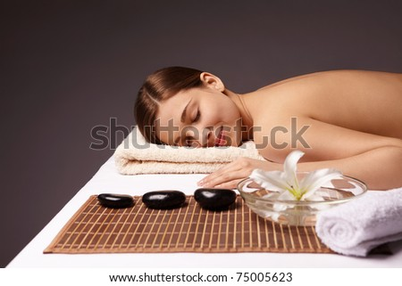Young girl makes spa treatments