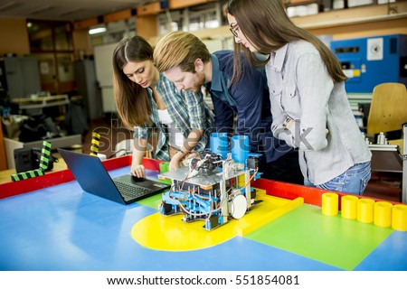 Young people working in the robotics classroom Foto stock ©