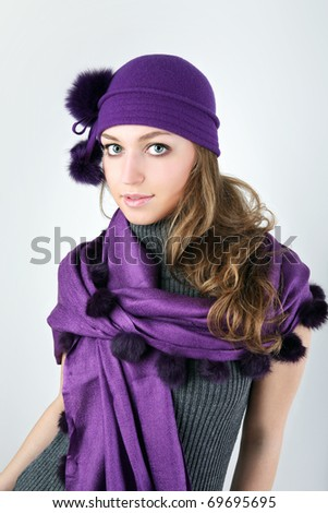 Young pretty woman in winter style.