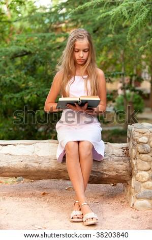 Summer vacation. Young schoolgirl in.., big picture 3.