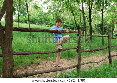 Driveway Child Safety Yard Fence | LIVESTRONG.COM