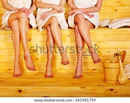 Девушки в баньке фото