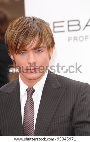 """Zac Efron at the Los Angeles premiere of """"Hairspray"""" at the Mann Village Theatre, Westwood. July 11, 2007  Los Angeles, CA Picture: Paul Smith / Featureflash"""