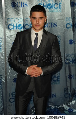 Zac Efron at the 2011 People's Choice Awards - Arrivals, Nokia Theatre, Los Angeles, CA. 01-05-11