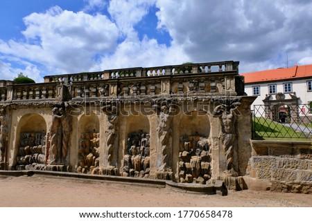 Zakupy castle, artistic fountains in the park Zdjęcia stock ©