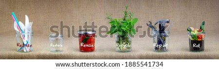 Zero Waste management, illustrated in 6 jars with text Refuse, reduce, recycle, repair, reuse, rot. Save money, sustainable living and zero waste concept Stockfoto ©