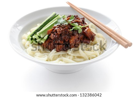 zha jiang mian, chinese cuisine, noodles topped with fermneted soy bean paste and fresh cucumber
