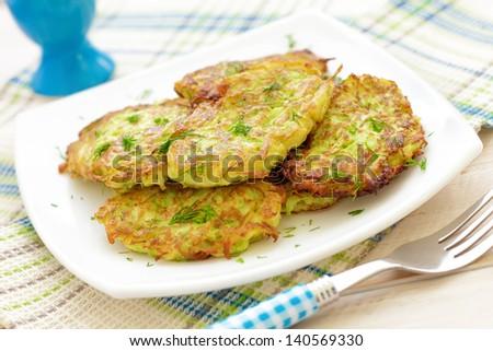 Рецепт вкусных оладьев из кабачков с фото