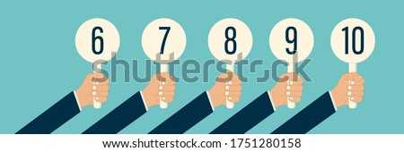 judge hand holding score card vector illustration. scorecard number for competition jury vote set. panel icon up. isolated. white background. best grade or achievement Foto stock ©