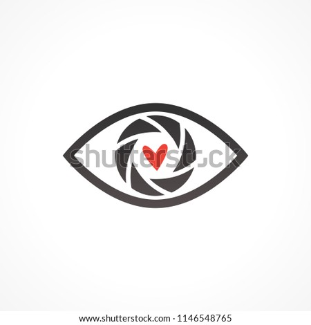 Abstract Aperture inside the eye with heart