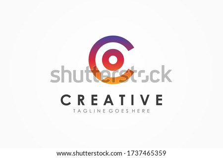 Abstract Initial Letter C Logo. Colorful Speech Bubble Linear Style with Negative Space Chat Talk Icon isolated on White Background. Flat Vector Logo Design Template Element. Foto stock ©