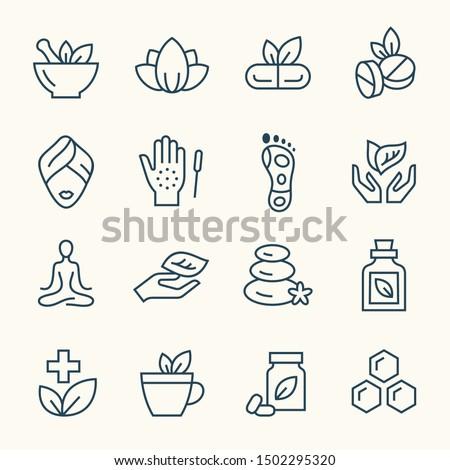 Alternative medicine line vector icon set Foto stock ©
