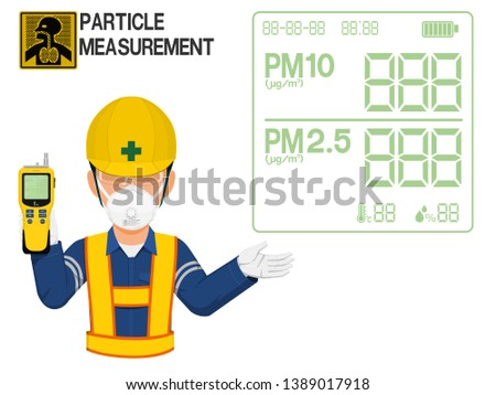 An Industrial worker with respirator is presenting display screen of the gas detector Foto stock ©