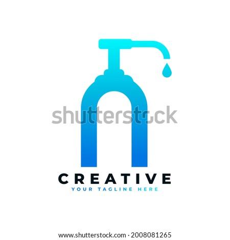Antibacterial Hand Sanitizer Logo. Initial Letter N with Hand Sanitizer Logo. Stock foto ©