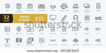 Audio Video Icons Pack. Thin line icons set. Flat icon collection set. Simple vector icons Stockfoto ©