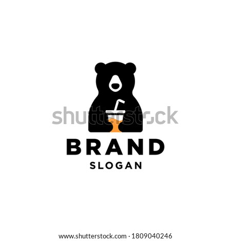 bear and cup logo, bear holding juice drink with straw Mascot cartoon vector icon illustration Foto stock ©