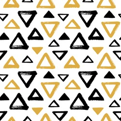 Brush drawn triangles, pyramid seamless vector pattern. Black and yellow, gold geometric doodle style background. Abstract hand drawn texture. Various triangle shapes with rough, uneven edges.