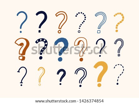 Bundle of doodle drawings of question marks. Set of interrogation points hand drawn with colorful contour lines on light background. Problem or trouble symbols. Decorative vector illustration. Foto stock ©