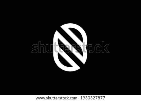 BZ letter logo design on luxury background. ZB monogram initials letter logo concept. BZ icon design. ZB elegant and Professional white color letter icon design on black background. Zdjęcia stock ©