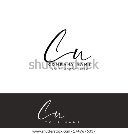 C U CU Initial letter handwriting and signature logo. Foto stock ©