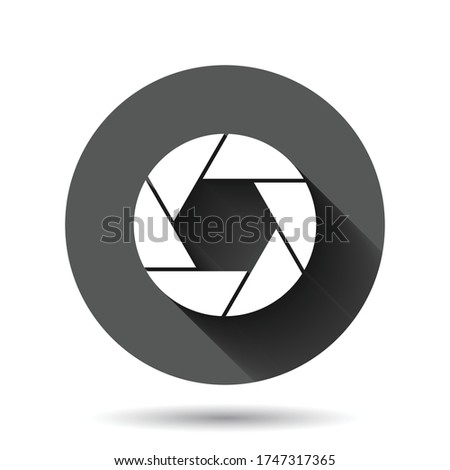 Camera diaphragm icon in flat style. Lens sign vector illustration on black round background with long shadow effect. Photo snapshot circle button business concept. ストックフォト ©