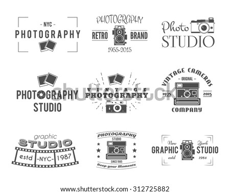 Camera logo. Vintage Photography Badges, Labels, dslr. Hipster design with  photographer elements. Retro style for photo studio, photographer, equipment store. Gadget Signs. Vector old photo icons.