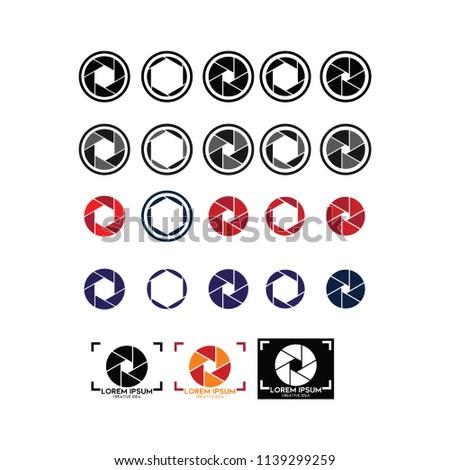Camera shutter aperture icon simple