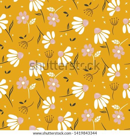 Chamomile mustard yellow flowers modern pattern seamless vector texture. Foto stock ©